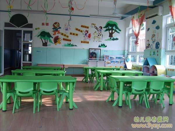 幼儿园中班教室环境布置