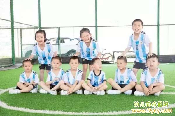 拍照造型图片_幼儿园个性毕业照片图片:足球运动员_幼儿园布置网